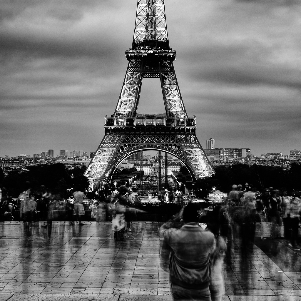 Jean-Francois Cleroux - Eiffel Watching (Print)